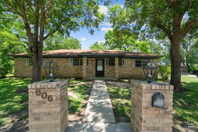 606 Hemphill Street, Brownwood, TX 76801 (MLS #14600807) :: Rafter H Realty