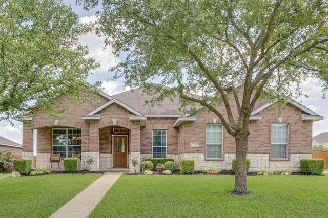 1738 Chadwick Drive, Cedar Hill, TX 75104 (#14600900) :: Homes By Lainie Real Estate Group