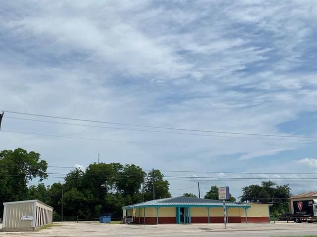 1303 E Central Avenue, Comanche, TX 76442 (MLS #14600945) :: The Chad Smith Team