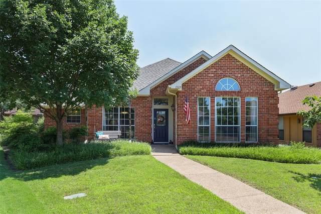 1504 Homestead Court, Carrollton, TX 75007 (MLS #14600969) :: The Hornburg Real Estate Group