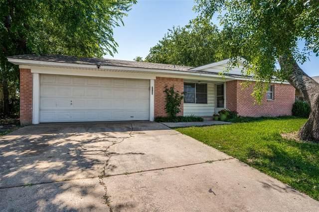 2126 Sequoyah Way, Carrollton, TX 75006 (MLS #14601099) :: The Chad Smith Team