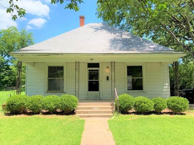 919 W Chestnut Street, Denison, TX 75020 (MLS #14601112) :: The Daniel Team