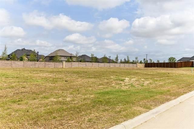 1104 Knoll Crest Drive, Mansfield, TX 76063 (MLS #14601123) :: VIVO Realty