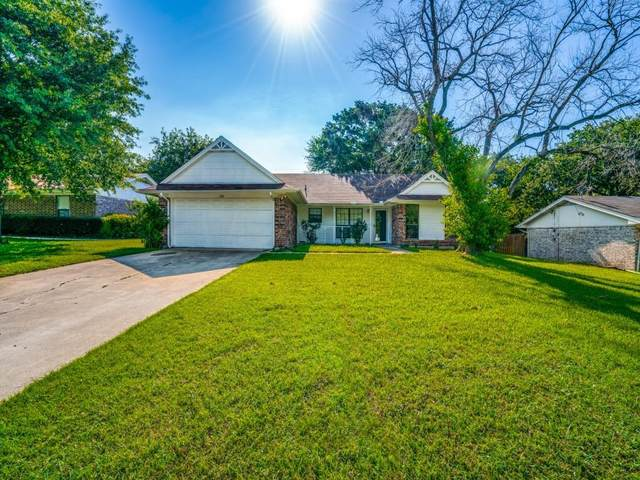 241 Lilac Lane, Azle, TX 76020 (MLS #14601140) :: Trinity Premier Properties