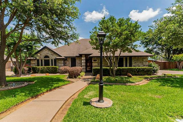 425 Sherwood Court, Burleson, TX 76028 (MLS #14601166) :: Real Estate By Design