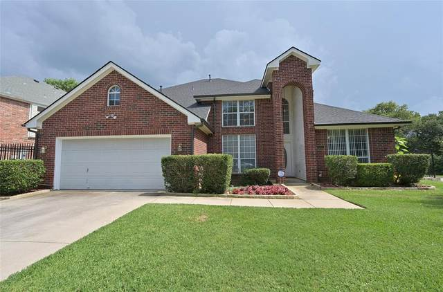 800 Forest Crossing Drive, Hurst, TX 76053 (MLS #14601207) :: The Good Home Team