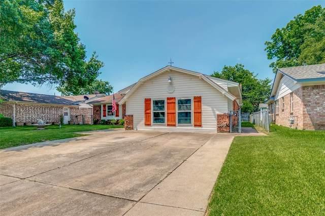 425 Douglas Street, Burleson, TX 76028 (MLS #14601265) :: RE/MAX Landmark