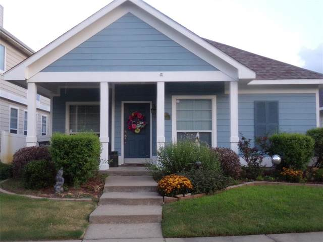 10338 Waterbury Drive, Providence Village, TX 76227 (MLS #14601386) :: Real Estate By Design