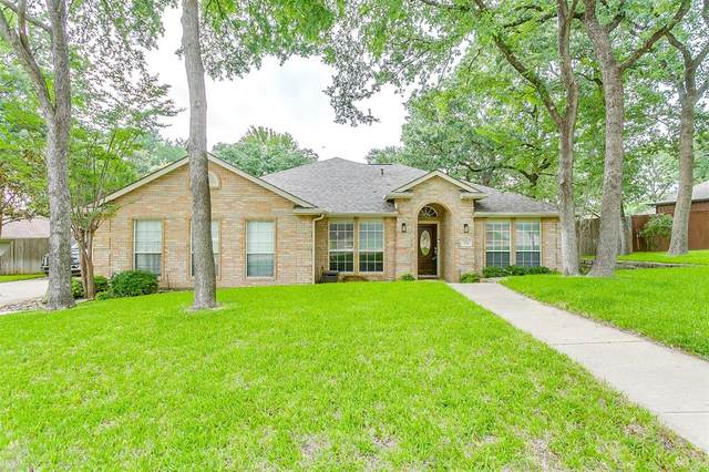 721 Red Oak, Crowley, TX 76036 (MLS #14601591) :: Front Real Estate Co.