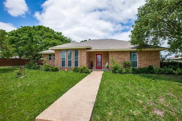 3709 Brookglen Drive, Sachse, TX 75048 (MLS #14601766) :: VIVO Realty