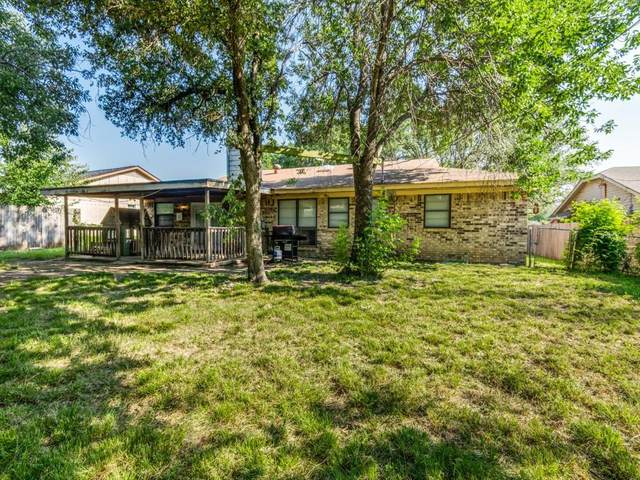 8404 Glenann Drive, North Richland Hills, TX 76182 (MLS #14601847) :: Team Hodnett