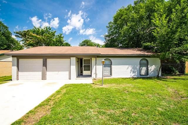 724 James Street, Azle, TX 76020 (MLS #14601978) :: VIVO Realty