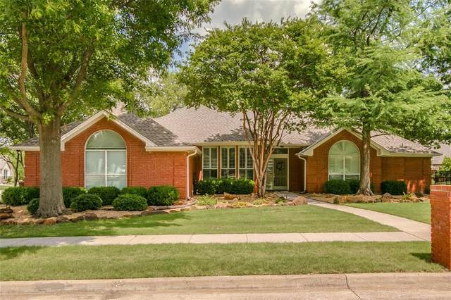 1315 Woodlake Drive, Corinth, TX 76210 (MLS #14602187) :: The Chad Smith Team