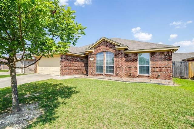1031 Vinewood Avenue, Burleson, TX 76028 (MLS #14602232) :: Potts Realty Group