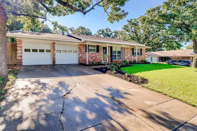 21 Stonegate Drive, Bedford, TX 76022 (MLS #14602561) :: Wood Real Estate Group