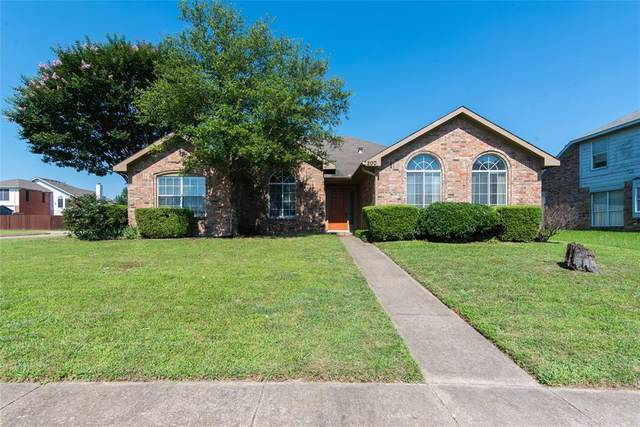 200 Lavender Drive, Cedar Hill, TX 75104 (#14602749) :: Homes By Lainie Real Estate Group
