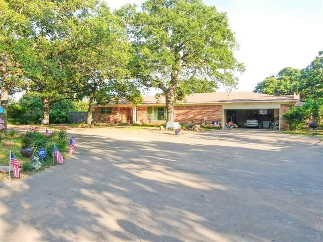 1435 N Main Street, Jacksboro, TX 76458 (MLS #14602847) :: Team Tiller