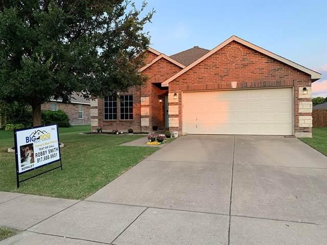 1437 Lauren Drive, Burleson, TX 76028 (MLS #14602968) :: The Chad Smith Team