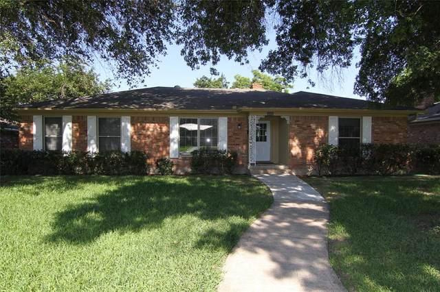 4331 Cinnabar Drive, Dallas, TX 75227 (MLS #14603118) :: Real Estate By Design