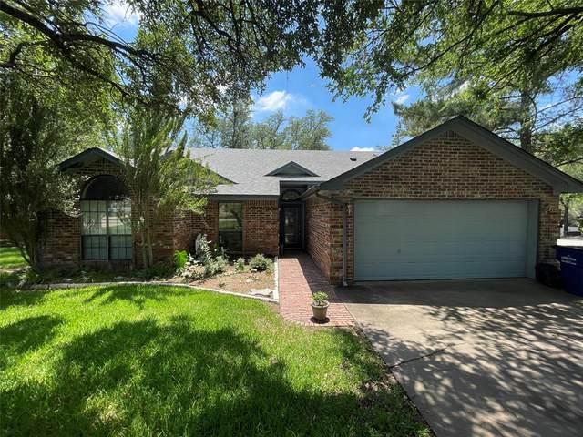 317 Sunrise Drive, Granbury, TX 76049 (MLS #14603411) :: Jones-Papadopoulos & Co