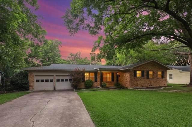 1301 Redbud Drive, Arlington, TX 76012 (MLS #14603638) :: Wood Real Estate Group