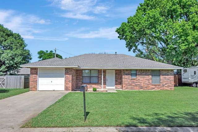 704 S Church Street, Pilot Point, TX 76258 (MLS #14603639) :: Real Estate By Design