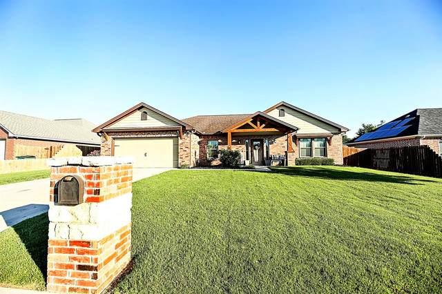 708 Meadow Lane, Bowie, TX 76230 (MLS #14603747) :: The Good Home Team