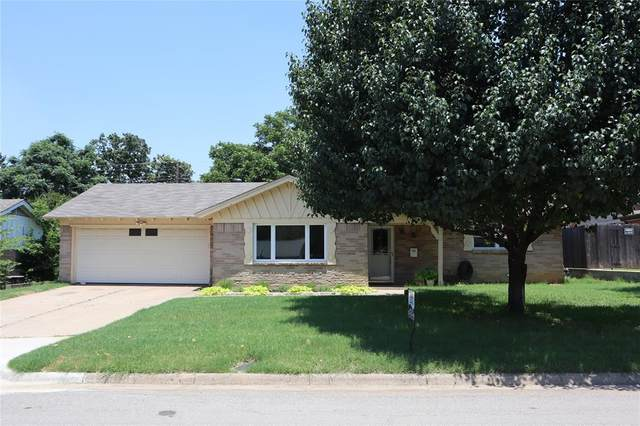 1706 Sagebrush Trail, Euless, TX 76040 (MLS #14603845) :: Front Real Estate Co.