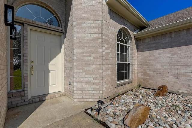 1040 Overland Drive, Lowry Crossing, TX 75069 (MLS #14604010) :: Real Estate By Design
