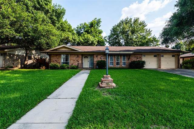 409 Brookview Drive, Hurst, TX 76054 (#14604080) :: Homes By Lainie Real Estate Group