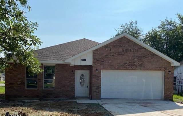 1210 Joslin Street, Cleburne, TX 76033 (MLS #14604185) :: Real Estate By Design