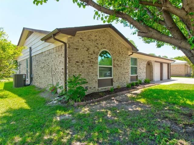 902 Kerry Street, Benbrook, TX 76126 (MLS #14604301) :: Front Real Estate Co.