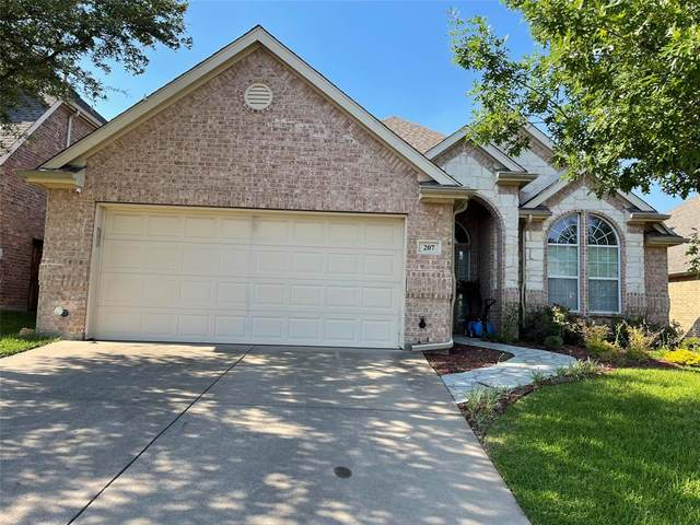 207 Park Haven Boulevard, Euless, TX 76039 (MLS #14604406) :: Front Real Estate Co.