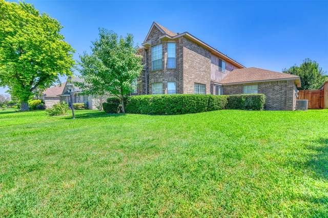 704 Beechwood Drive, Desoto, TX 75115 (MLS #14604408) :: Real Estate By Design