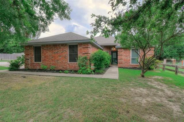 901 Clyde Street, White Settlement, TX 76108 (MLS #14604468) :: VIVO Realty
