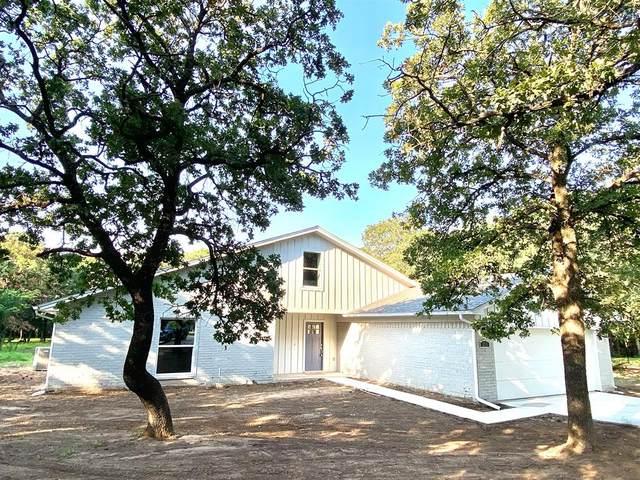 215 Bob White Court, Burleson, TX 76028 (MLS #14604567) :: Real Estate By Design