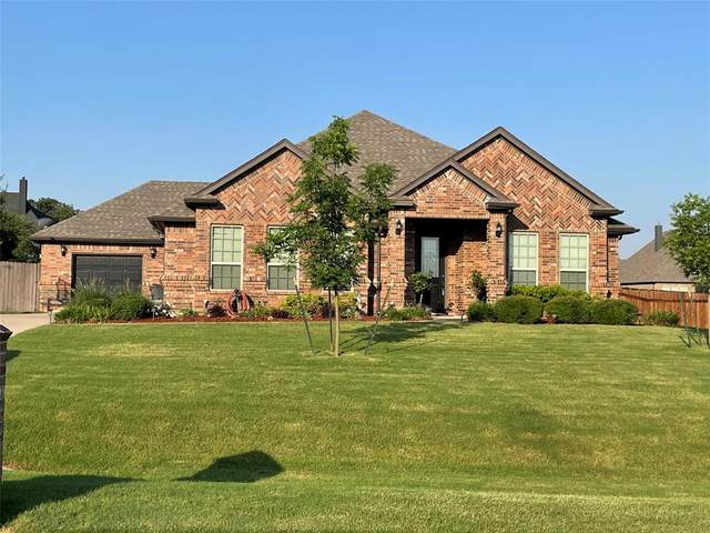 709 Prairie Timber Road, Burleson, TX 76028 (MLS #14604718) :: Real Estate By Design