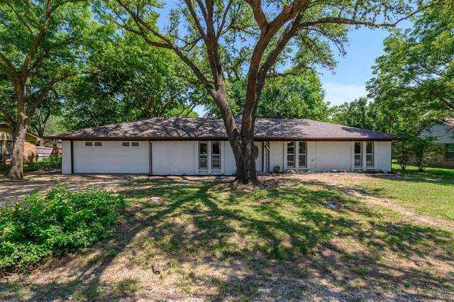 410 E White Street, Pilot Point, TX 76258 (MLS #14604822) :: Real Estate By Design