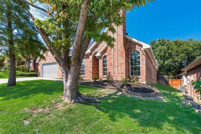 1412 Melody Lane, Carrollton, TX 75006 (#14604857) :: Homes By Lainie Real Estate Group