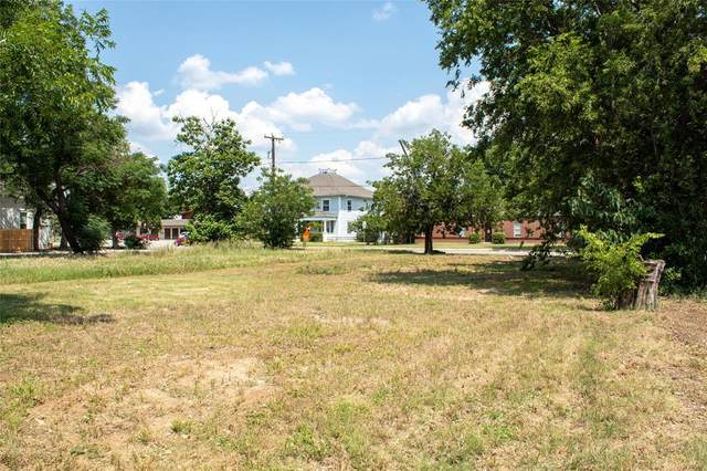 1009 Main Street, Brownwood, TX 76801 (MLS #14604895) :: The Chad Smith Team