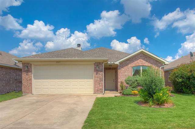 2829 Wakecrest Drive, Fort Worth, TX 76108 (MLS #14604941) :: Robbins Real Estate Group