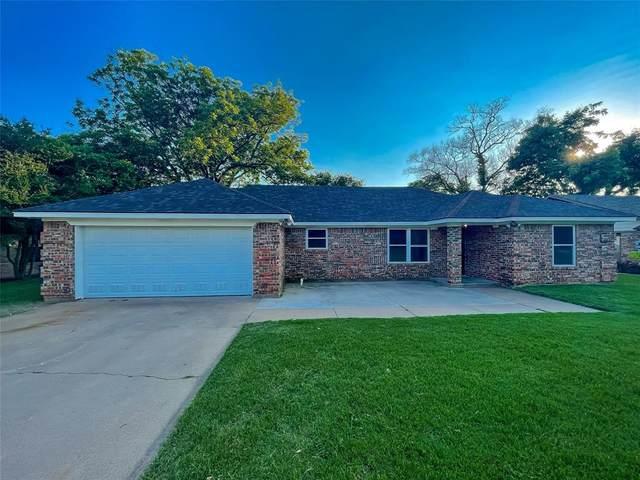 904 Meadowlark Lane, Granbury, TX 76048 (MLS #14605024) :: Real Estate By Design