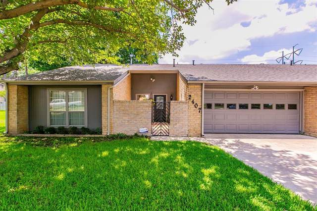 2407 N Carrier Parkway, Grand Prairie, TX 75050 (#14605065) :: Homes By Lainie Real Estate Group