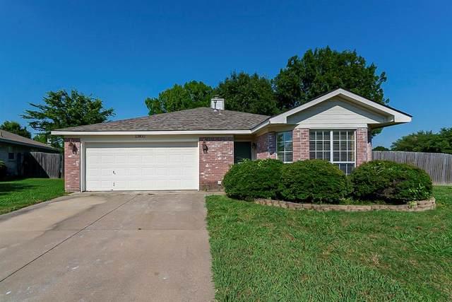 10800 Pebblecreek Court, Benbrook, TX 76126 (MLS #14605104) :: Front Real Estate Co.