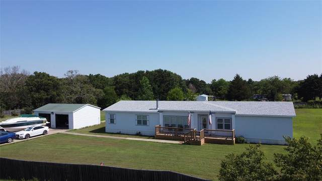 2496 Oakwood Drive, Wills Point, TX 75169 (MLS #14605129) :: Russell Realty Group