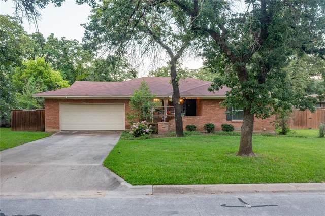 2520 Sherwood Street, Denton, TX 76209 (MLS #14605237) :: Trinity Premier Properties