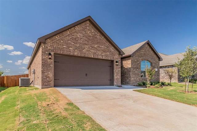 733 Vaquero Street, White Settlement, TX 76108 (MLS #14605243) :: Real Estate By Design