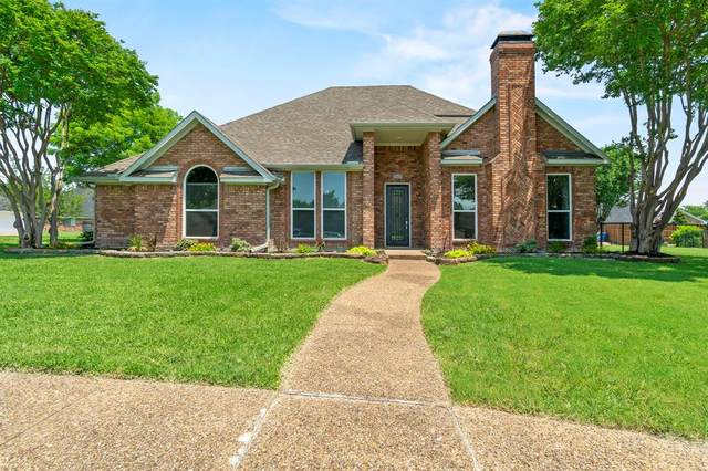 8405 Portsmouth Drive, Rowlett, TX 75088 (#14605407) :: Homes By Lainie Real Estate Group