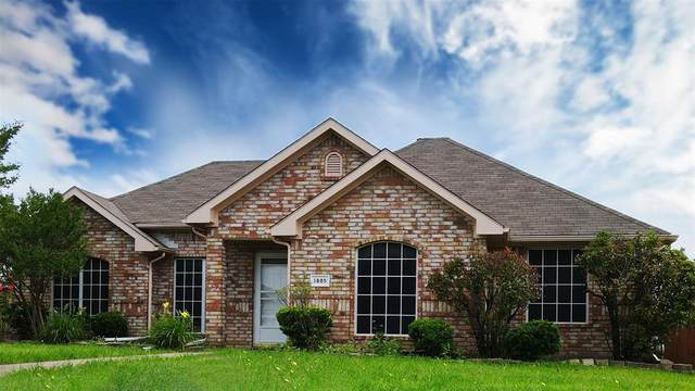 1805 Chapman Drive, Mesquite, TX 75149 (#14605413) :: Homes By Lainie Real Estate Group