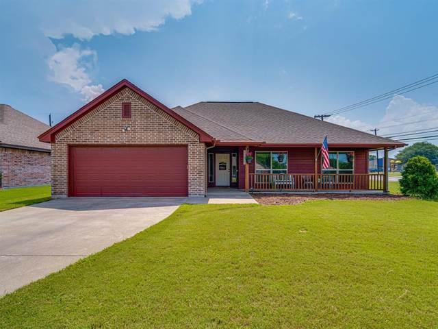 1300 Hyde Park Boulevard, Cleburne, TX 76033 (MLS #14605666) :: The Rhodes Team